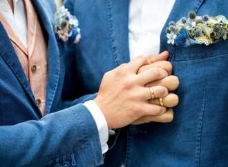 """Svizzera, in calo il consenso per le """"nozze"""" gay"""