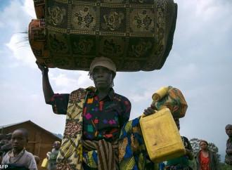Migliaia di profughi congolesi in fuga dai combattimenti