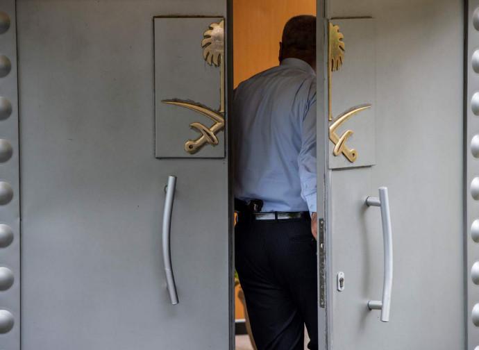La porta blindata del consolato saudita a Istanbul