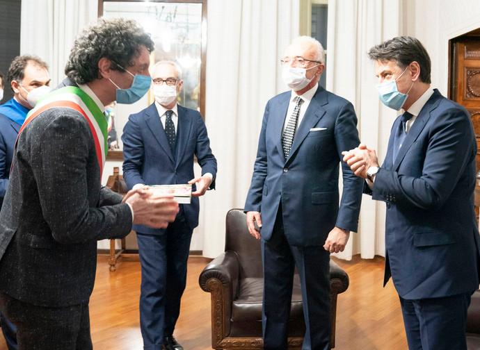 Conte con i sindaci di Cremona e Crema
