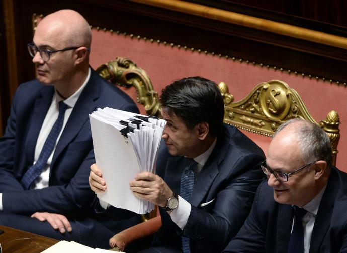 Giuseppe Conte sventola il Mes
