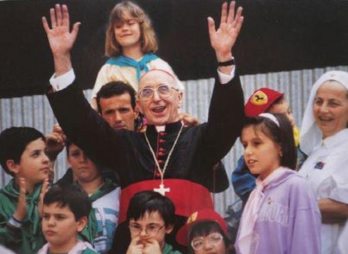 Il cardinale Biffi tra la sua gente