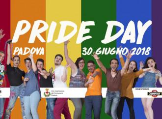 Gay Pride Padova: nudità e atti blasfemi