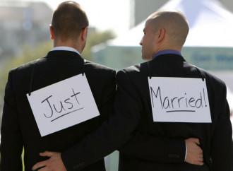Nozze gay, il trucco della libera circolazione