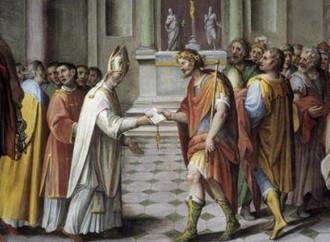 Attacco alla libertà della Chiesa. E la Chiesa applaude i suoi nemici
