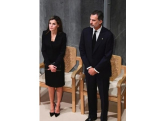 La Spagna si rifugia nella Chiesa che vuole umiliare