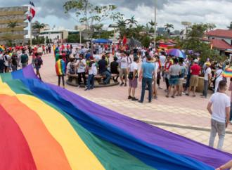 """Il Costa Rica dice """"Sì"""" alle """"nozze"""" gay"""