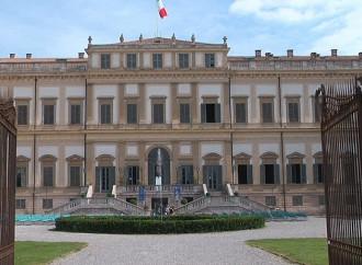 Villa reale di Monza tinta di arcobaleno