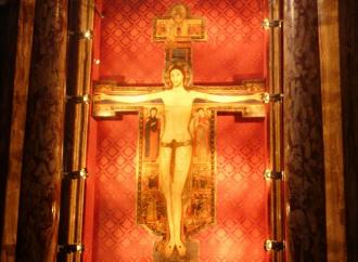La Croce di Sarzana, segno del Christus Triumphans