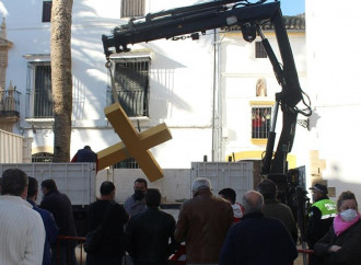 Spagna, terra delle croci spezzate in odio ai cristiani