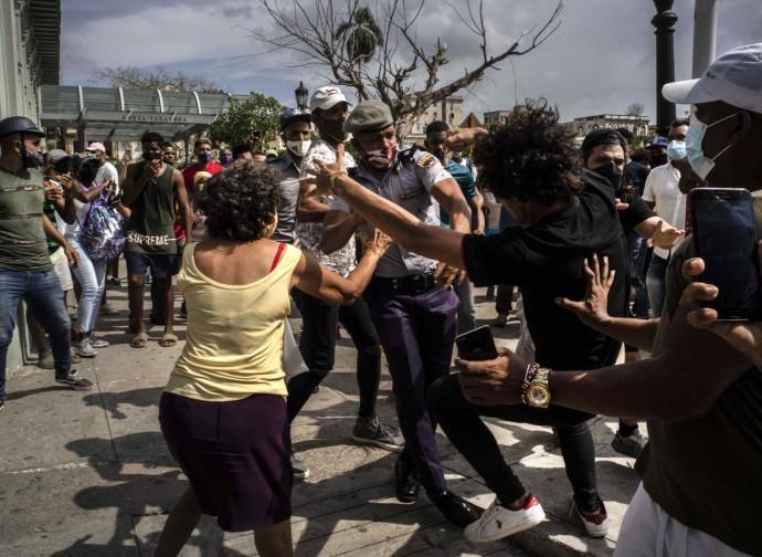 Cuba, manifestazioni e repressione poliziesca