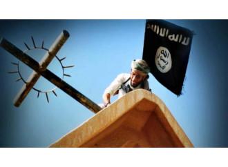"""""""Spezzate la croce"""", l'Isis dichiara guerra ai cristiani"""