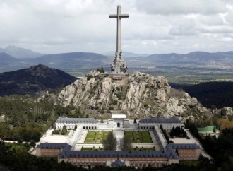 Attacco alla Chiesa: in Spagna cacceranno i Benedettini