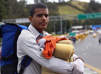 I venezuelani continuano a lasciare il paese tra crescenti difficoltà