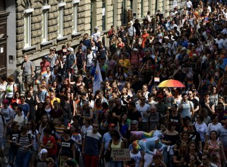 Ungheria: sostegno di 30 ambasciate alla comunità LGBT