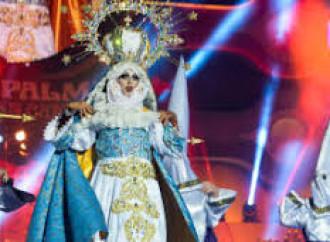 Parroco blasfemo, la chiesa è camerino per le drag queen