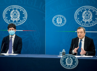 Obbligo di vaccino per i sanitari, Draghi peggio di Conte