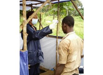 Ebola, il coraggio di chi la affronta