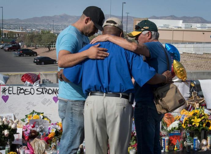 El Paso, preghiera per le vittime
