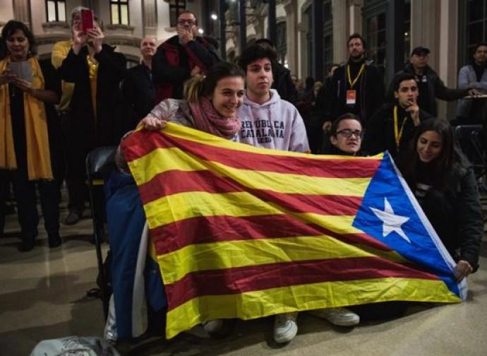 Indipendentisti in Catalogna riconquistano la maggioranza assoluta