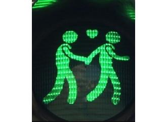 Il semaforo gay che spegne solo il buonsenso
