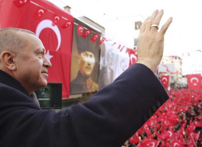 Erdogan, comizio a Smirne