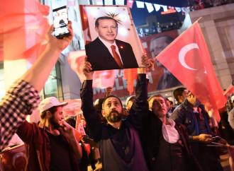Manifestazione di turchi pro-Erdogan