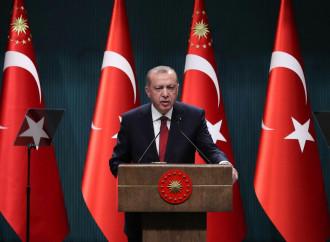 Erdogan anticipa il voto, per prendersi tutto il potere