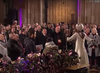 Orgoglio gay occupa la Cattedrale, la scusa è l'Aids