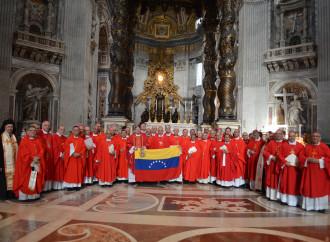 Venezuela, i vescovi espongono la crisi al Papa