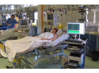 Il malato non vuole morire, chiede di non restare solo