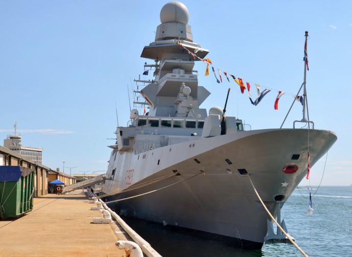 Una fregata italiana classe FREMM