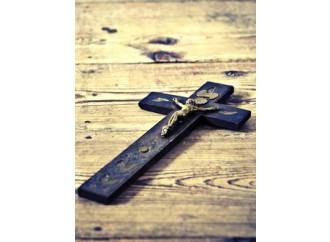 Atei all'attacco: via Bibbie, preghiere e segni religiosi