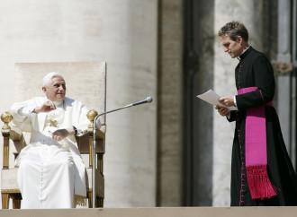 Quelle parole di Gaenswein sui media cattolici
