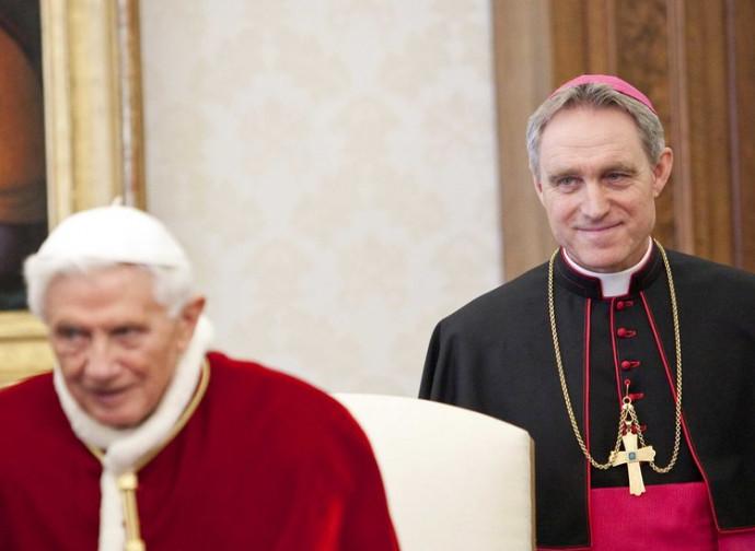 Benedetto XVI e monsignor Ganswein