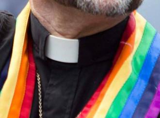 """""""L'omosessualità nel clero ha già spaccato la Chiesa"""""""
