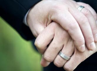 """Il governo dell'Irlanda del Nord alle chiese: """"Sposerete i gay?"""""""