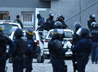 Terroristi islamici in Francia, troppi per controllarli tutti