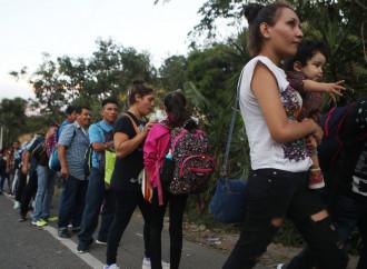 Una nuova carovana di emigranti è partita dall'Honduras diretta negli Stati Uniti