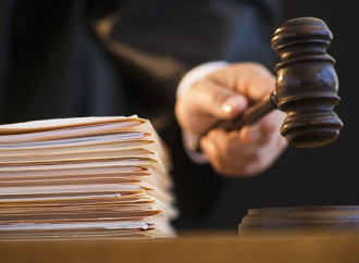 Bulgaria, corte riconosce il diritto di soggiorno a coppia gay