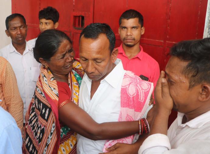 Gornath accolto dai familiari, fuori dal carcere