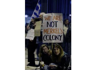 Per soccorrere la Grecia si rischia di ucciderla