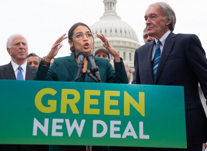 Alexandria Ocasio Cortez presenta il Green New Deal