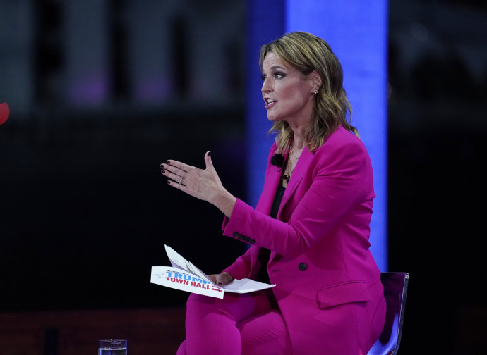 "Savannah Guthrie ""interroga"" Trump"