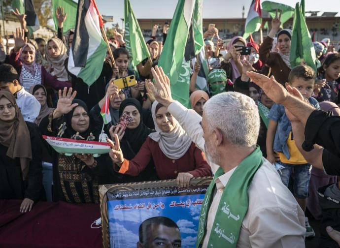 Yahya Sinwar, leader di Hamas, celebrato a Gaza