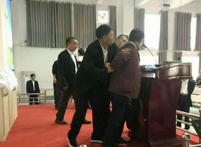 Henan, arresto in una chiesa