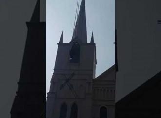 Cina, rimosse le croci di una chiesa nello Henan
