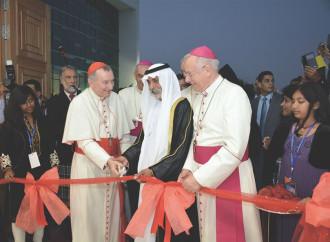 """""""Gli Emirati, un'isola felice, ma dalla libertà limitata"""""""