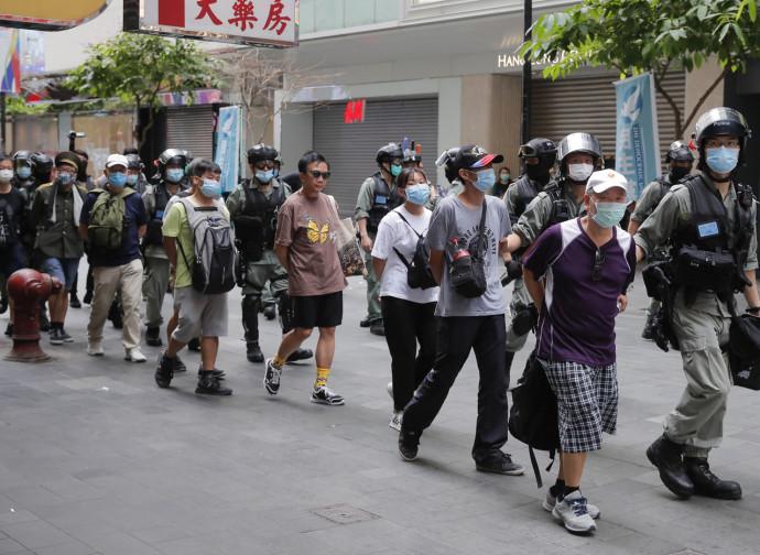 Hong Kong, arresti durante la manifestazione del 1 luglio