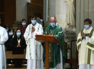 Croci, adorazione e comunione contro il virus della pigrizia eucaristica